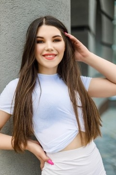 Natali from Ivanofrankovsk 19 years - introduce myself. My mid primary photo.