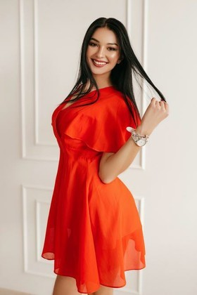 Yuliya from Ivanofrankovsk 23 years - bright smile. My small primary photo.