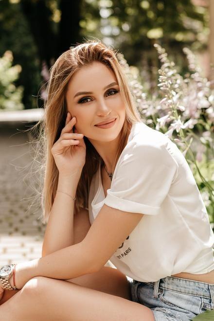 Diana from Ivanofrankovsk 23 years - ukrainian girl. My small primary photo.