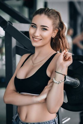 Anastasia from Lutsk 18 years - Music-lover girl. My small primary photo.