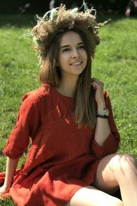 Olya from Lviv 24 years - ukrainian bride. My small primary photo.