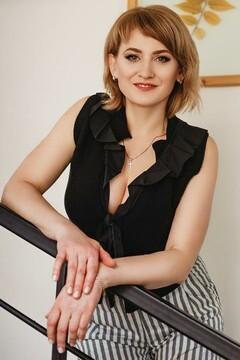 Ksyusha from Kremenchug 43 years - girl for marriage. My small primary photo.