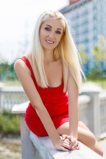Maria from Ivano-Frankovsk 34 years - good mood. My small primary photo.