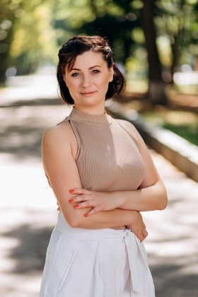 Svetlana from Poltava 43 years - romantic girl. My small primary photo.