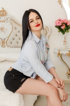 Lena from Ivano-Frankovsk 24 years - Kind-hearted woman. My mid primary photo.