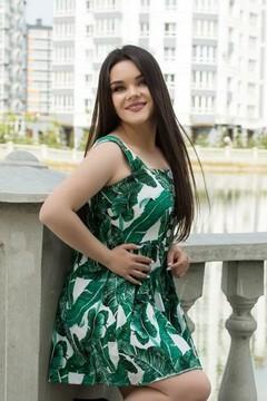 Adriana from Ivano-Frankovsk 23 years - happy woman. My small primary photo.