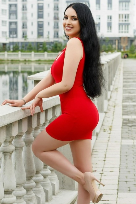 Yulia from Ivano-Frankovsk 27 years - it's me. My small primary photo.