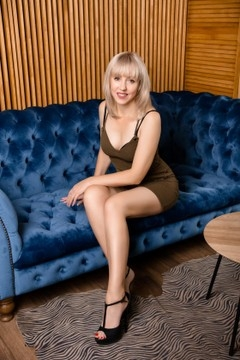 Elena from Kharkov 47 years - looking for relationship. My mid primary photo.