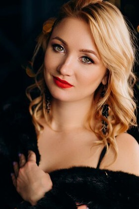 Olesya from Poltava 31 years - lovely girl. My small primary photo.