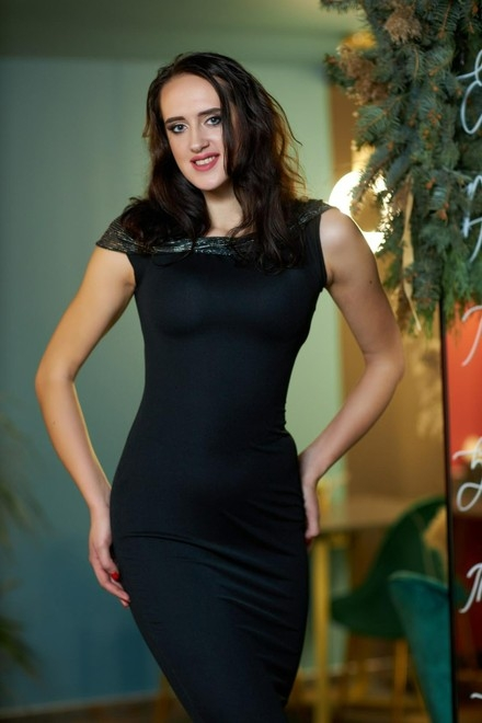 Olya from Kremenchug 21 years - eyes with love. My small primary photo.