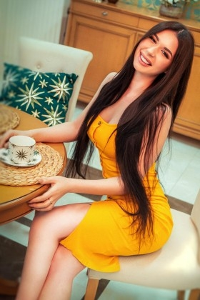 Lina from Kiev 22 years - romantic girl. My small primary photo.