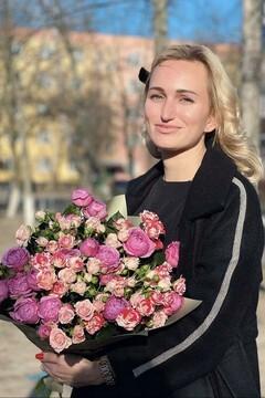 Anastasia from Poltava 31 years - Music-lover girl. My mid primary photo.