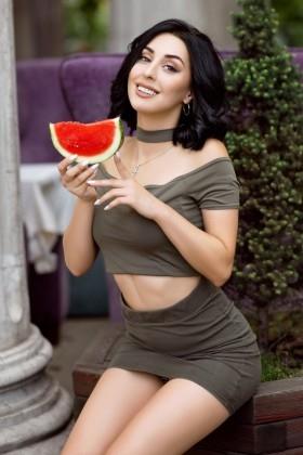 Alina from Zaporozhye 23 years - good girl. My small primary photo.