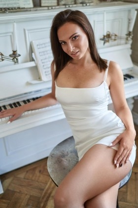 Karolina  29 years - looking for relationship. My small primary photo.