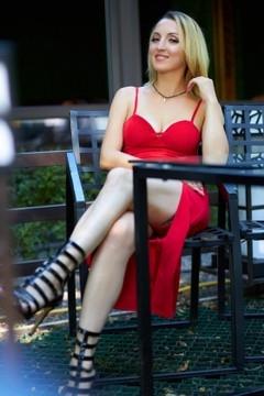 Natasha from Kremenchug 36 years - search for love. My small primary photo.