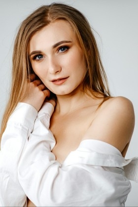 Nataly from Poltava 31 years - bright smile. My small primary photo.