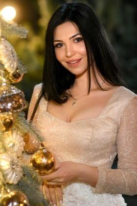Julia  25 years - ukrainian woman. My small primary photo.