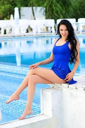 Karina from Zaporozhye 24 years - waiting for husband. My small primary photo.