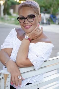 Marie from Odessa 46 years - seeking man. My mid primary photo.