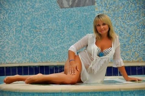 Natasha Cherkasy 42 y.o. - intelligent lady - small public photo.