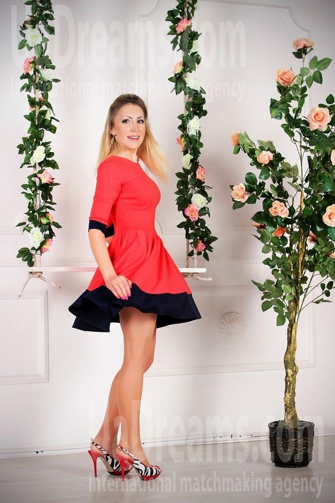 Oksana from Zaporozhye 34 years - mysterious beauty. My small public photo.