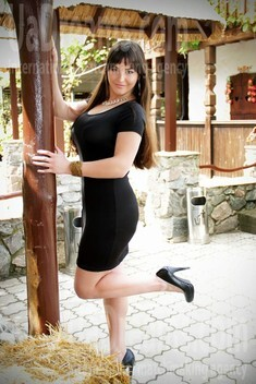 Alyona from Zaporozhye 25 years - Kind-hearted woman. My small public photo.