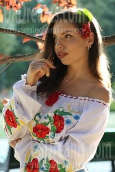 Nataly from Poltava 27 years - sunny smile. My small public photo.