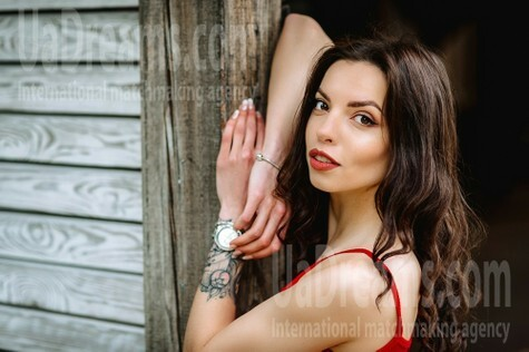 Nataly from Poltava 28 years - smiling for you. My small public photo.
