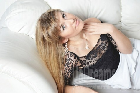 Olechka from Zaporozhye 24 years - ukrainian bride. My small public photo.