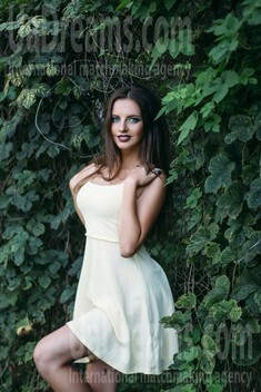Julia from Sumy 29 years - soft light. My small public photo.
