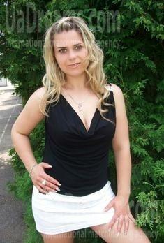 Tatiana from Rovno 34 years - happy woman. My small public photo.