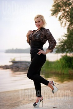 Oksi from Zaporozhye 38 years - charm and softness. My small public photo.