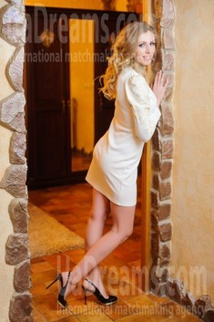 Antonina from Ivanofrankovsk 31 years - smiling for you. My small public photo.