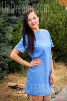 Dashenka from Zaporozhye 37 years - nice fiancee. My small public photo.