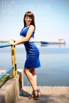 Olya from Zaporozhye 35 years - easy charm. My small public photo.