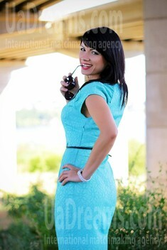 Olya from Zaporozhye 35 years - want to be loved. My small public photo.