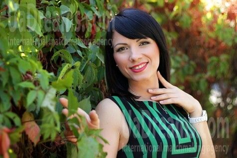 Olya from Zaporozhye 35 years - romantic girl. My small public photo.