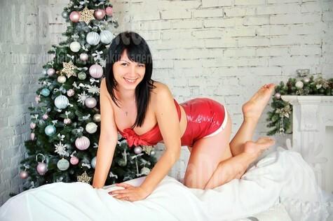 Olya from Zaporozhye 35 years - ukrainian woman. My small public photo.