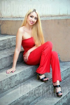 Ksenia from Zaporozhye 35 years - natural beauty. My small public photo.