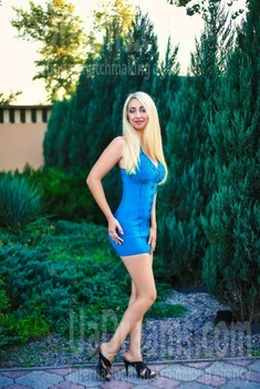 Ksenia from Zaporozhye 35 years - loving woman. My small public photo.
