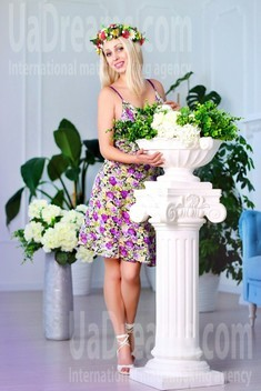 Ksenia from Zaporozhye 35 years - Kind-hearted woman. My small public photo.