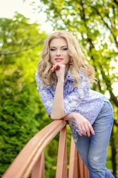 Julie Dnipro 34 y.o. - intelligent lady - small public photo.