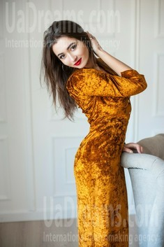 Ulya from Ivanofrankovsk 27 years - want to be loved. My small public photo.