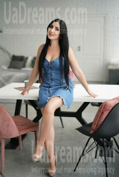 Svetlana 31 years - romantic girl. My small public photo.