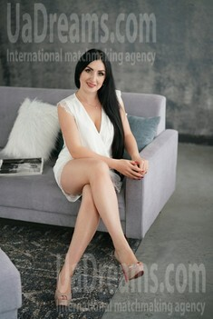 Svetlana 31 years - intelligent lady. My small public photo.