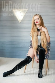 Vickie from Ivanofrankovsk 26 years - photo session. My small public photo.