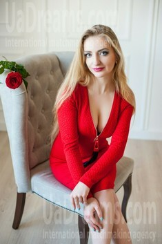 Vickie from Ivanofrankovsk 26 years - happy woman. My small public photo.
