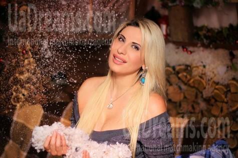 Tanya from Zaporozhye 41 years - soft light. My small public photo.