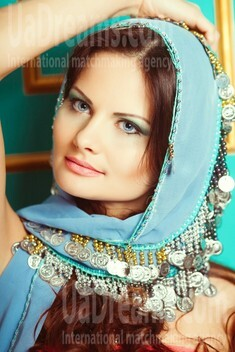 Tanya from Dnepropetrovsk 29 years - intelligent lady. My small public photo.
