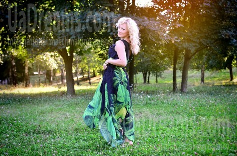 Larysa from Rovno 39 years - Kind-hearted woman. My small public photo.